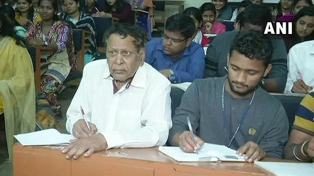 Parliamentarian Narayan Sahu University in Odisha PhD Utkal University in Odisha, रास न आए पॉलिटिक्स के दांव पेंच तो  81 की उम्र में PhD करने चल दिए भुवनेश्वर