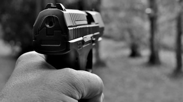 ससुर, बर्थडे की बधाई देने पहुंचे दामाद को ससुर ने मार दी गोली