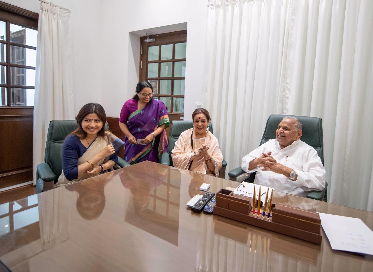 Poonam Sinha, शत्रुघ्न सिन्हा की पत्नी पूनम सपा में शामिल, लखनऊ से राजनाथ को देंगी टक्कर