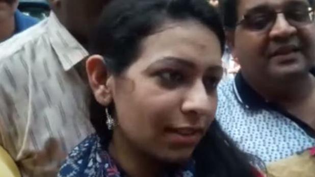 करिश्मा अरोड़ा, CBSE की टॉपर करिश्मा अरोड़ा बनना चाहती हैं डांसर, जानिए उनकी सफलता की कहानी