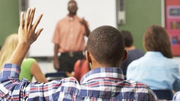 अफ्रीकन-अमेरिकन स्टूडेंट्स, ये कैसी पढ़ाई: छात्रों को जंजीरों से बांधा, क्लास में कराई शिक्षक ने नीलामी