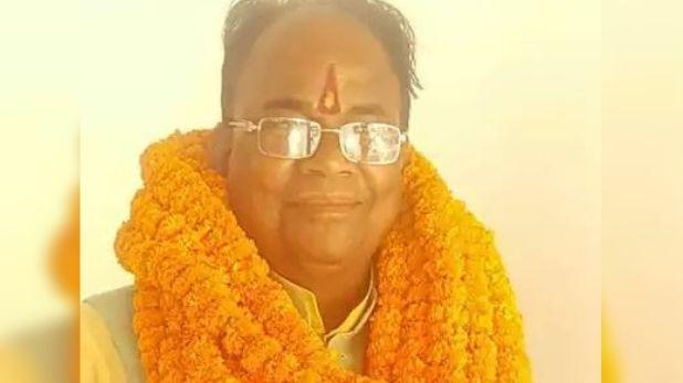 देवरिया, पार्टी कार्यालय में घुसकर बीजेपी विधायक ने आईटी सेल प्रमुख को जूतों से मारा