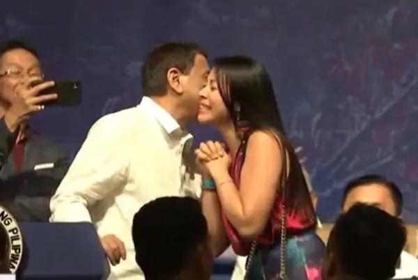 फिलीपींस, कहां चूमना है होठ पर या गाल पर? फिलीपींस राष्ट्रपति ने 5 महिलाओं से लिया चुंबन