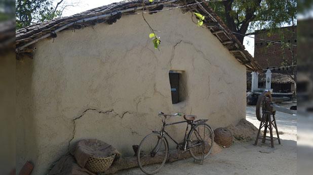 Acute Encephalitis Syndrome, चमकी के कहर से पलायन कर गए इस गांव के लोग, अब तक 7 बच्चों की मौत