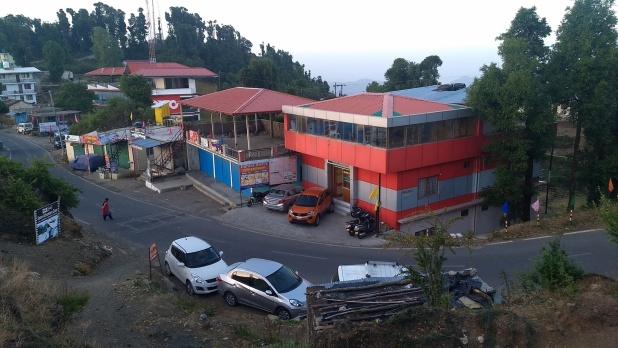 tourist, पहाड़ों की रानी 'मसूरी' खो रही आकर्षण, धनोल्टी बना पर्यटकों का नया ठिकाना