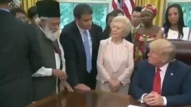 अहमदिया, VIDEO: इमरान खान से पहले ट्रंप के पास पहुंचा अहमदिया मुसलमान, यूं खोली पाकिस्तान की पोल