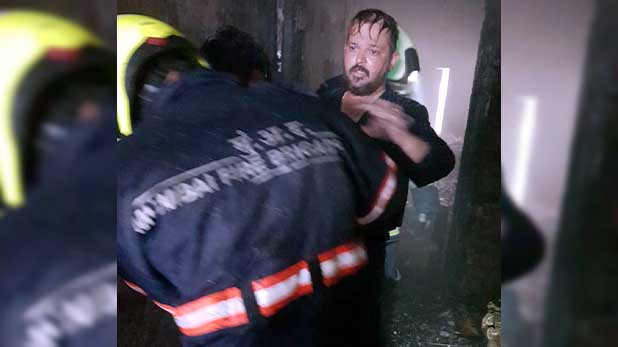 mumbai fire, मुंबई: बिल्डिंग में आग लगने से 1 की मौत, 14 लोग सुरक्षित