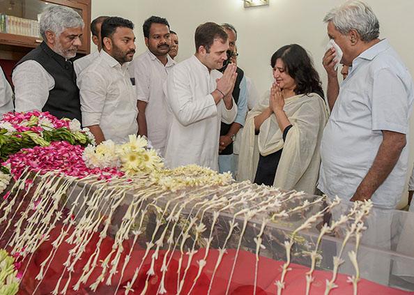 sushma and sonia, सुषमा स्वराज ने जीवन भर दी सोनिया गांधी को चुनौतियां, राहुल तक से कह दिया था- मम्मा से पूछना…