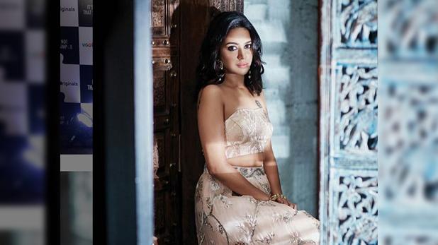 Swara Bhaskar Kashmir Eid, जम्मू-कश्मीर और लद्दाख को दिखाया काला, ट्वीट पर बुरी तरह ट्रोल हुईं स्वरा भास्कर