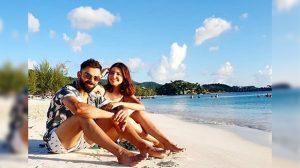ipl 2020 AB de Villiers clicks for Virat Kohli and Anushka Sharma picture goes viral