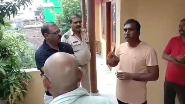 BJP leader in Begusarai, बीजेपी नेता के घर में चोरी, CCTV कैमरे का हार्ड डिस्क भी उड़ा ले गए चोर