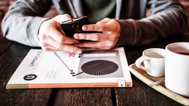 Mobile, फोन देखने का तरीका डालता है सेक्स और हाइट पर असर: रिसर्च