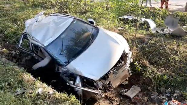 Jammu Kashmir, दर्दनाक हादसा: 2 हजार फीट गहरी खाई में गिरी टैक्सी, 16 लोगों की मौत