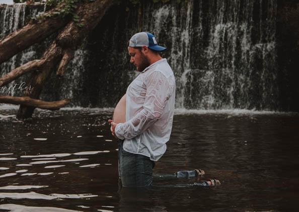 Best Husband, मिलिए दुनिया के बेस्ट पति से, पत्नी के लिए करवाया मैटरनिटी फोटोशूट