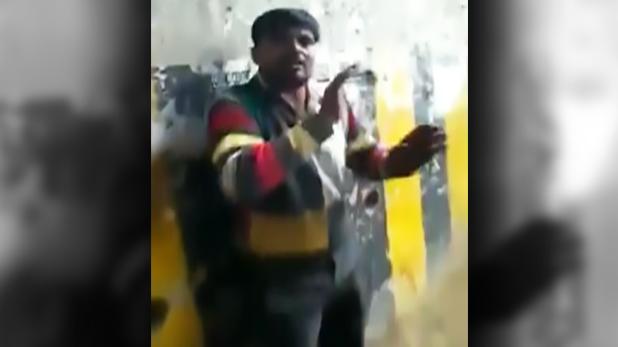 man selling biryani, जाति के नाम पर बिरयानी बेचने वाले को पीटा, वीडियो वायरल