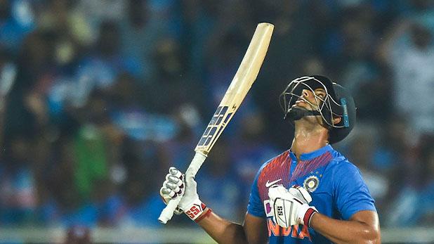 Shivam Dubey, कोहली की जगह बल्लेबाजी करने पहुंचे शिवम दुबे, जड़ा करियर का पहला अर्धशतक