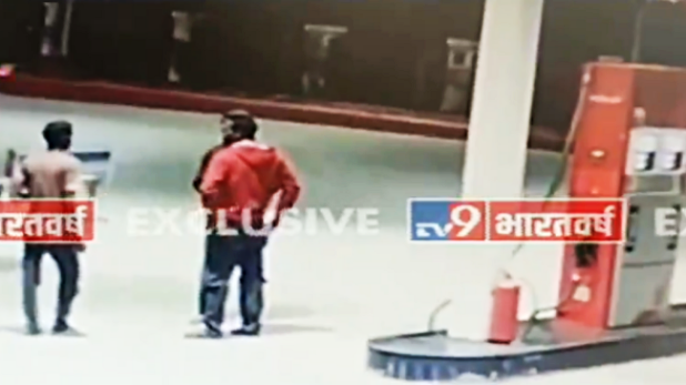 Hyderabad gang rape, Exclusive: पेट्रोल पंप का CCTV फुटेज, जहां दिशा की लाश जलाने के लिए पेट्रोल खरीदने गए थे आरोपी