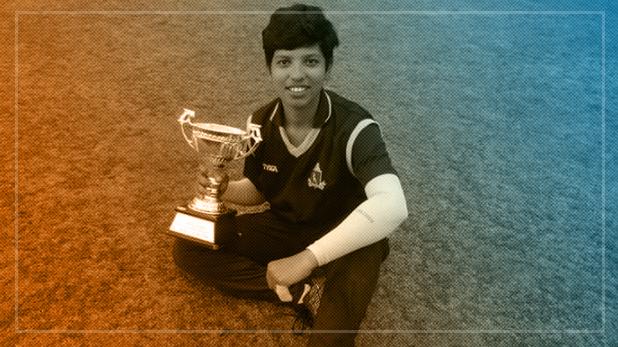 Richa Ghosh included in Women World T20 squad, सचिन की ये फैन लगाती है धोनी की तरह लंबे-लंबे छक्के, T-20 वर्ल्ड कप में धमाल मचाएंगी 16 साल की रिचा घोष