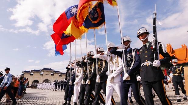 Taiwan Military chief missing, ताइवान में चॉपर की क्रैश लैंडिंग, मिलिट्री चीफ समेत आठ की मौत