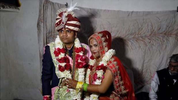 marriage during Delhi violence, भाईचारे की मिसाल: दिल्ली में हिंसा के बीच मुस्लिम पड़ोसियों ने पहरा देकर कराई हिंदू लड़की की शादी
