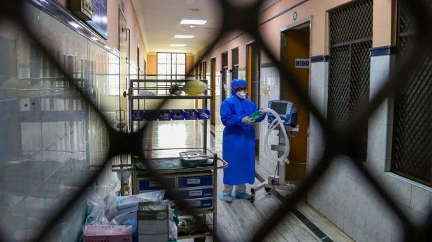 female doctor made substitute PPE kit in bihar, बिहार: महिला डॉक्टर ने 'जुगाड़ तकनीक' से बनाई PPE किट