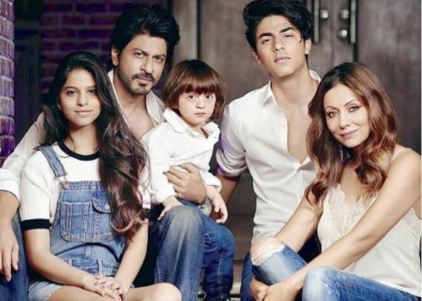 Abram Khan Birthday Photos, Abram Birthday: बिल्कुल शाहरुख की तरह दिखता है उनका लिटिल बॉय, देखें PHOTOS