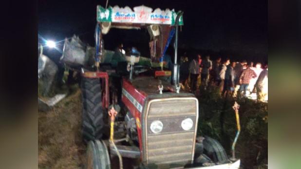 Andhra Pradesh laborers killed current, आंध्र प्रदेश: बिजली के खंभे से टकराया ट्रैक्टर, करंट लगने से 9 मजदूरों की मौत