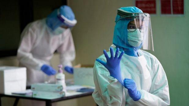Health workers who are using PPE kit carry no risk for family, PPE का इस्तेमाल करने वाले स्वास्थ्यकर्मियों के परिवारों को Coronavirus का खतरा नहीं: केंद्र सरकार
