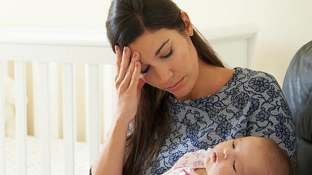 depression in new mothers, मां को हो सकता है बच्चे के जन्म के बाद तनाव, जानिए क्या है पोस्टपार्टम डिप्रेशन