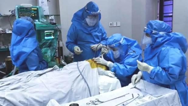 kem hospital mumbai doctors, 7 साल के बच्चे ने निगल लिया था सिक्का, 5 घंटे की सर्जरी के बाद KEM के डॉक्टर्स ने बचाई जान
