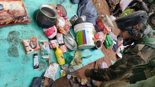 Security forces busted terrorist hideout, कुलगाम के जंगलों में सुरक्षाबलों को मिली बड़ी कामयाबी, आंतकी ठिकाने का किया भांडाफोड़