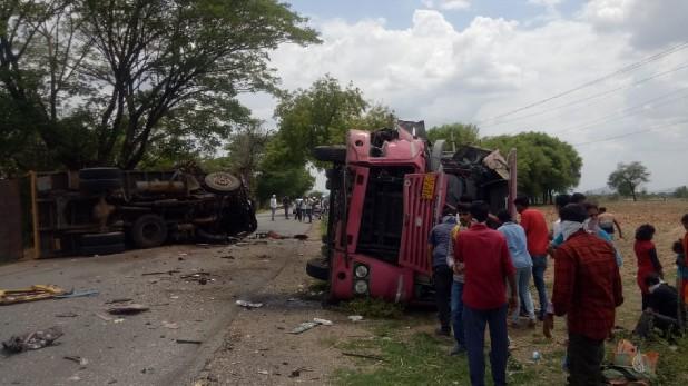 Road Accident Telangana, तेलंगाना: मंचिरियाल में दर्दनाक हादसा, बस और ट्रक की टक्कर में एक ड्राइवर की मौत, 20 घायल