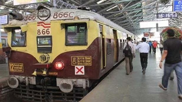 Railway expand Mumbai Local services from today, Mumbai Local ट्रेन सर्विस आज से बढ़ाई गई, जानें कौन कर सकेगा सफर?