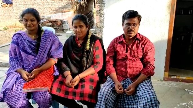 Sonu Sood fulfills promise tractor reaches home, सोनू सूद ने पूरा किया वादा, गरीब किसान के घर पहुंचा ट्रैक्टर, बेटी बोली- फिल्मों के विलेन असल जिंदगी में हीरो