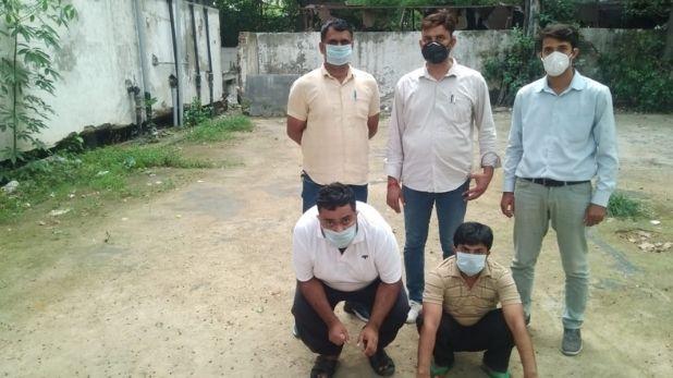 Delhi Police Crime Branch, दिल्ली पुलिस ने किया फर्जी लाइसेंस से हथियारों की खरीद फरोख्त करने वाले गिरोह का भांडाफोड़