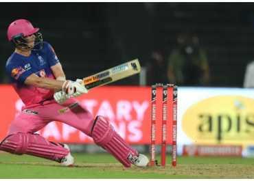 IPL 2020: स्टीव स्मिथ के स्टाइल में देखिए धोनी वाला 'हेलीकॉप्टर शॉट'