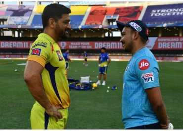 IPL 2020: पृथ्वी शॉ की परेशानी का इलाज कर छा गए धोनी!