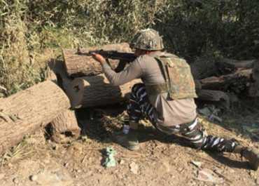 जम्मू-कश्मीर के पुलवामा में आतंकी हमला, सीआरपीएफ का एक जवान घायल