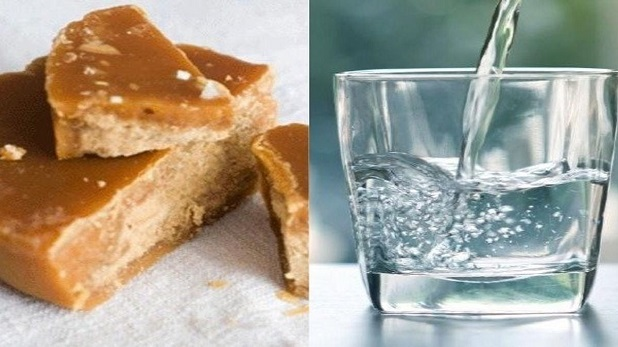 jaggery and hot water
