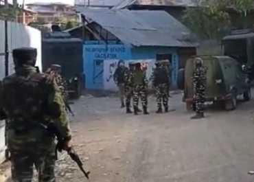 शोपियां में सुरक्षाबलों और आतंकवादियों के बीच मुठभेड़, एक आतंकी ढेर