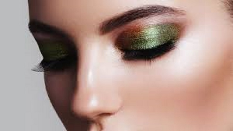 shimmery eye makeup
