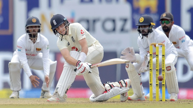 Joe Root Playing Sweep Shot vs Sri Lanka
