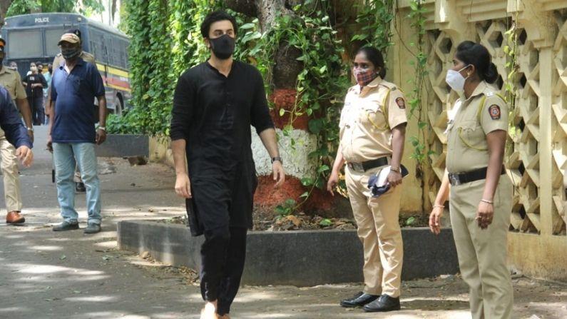 Ranbir Kapoor At Dilip Kumar House